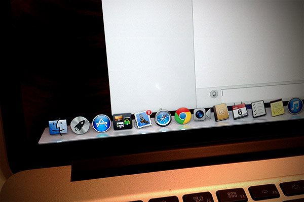 biale-plamy-MacBook-Pro-Retina
