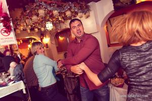 zabawy w Salamis Taverna