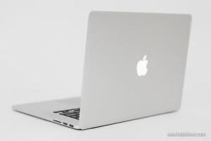 Nowy laptop Apple